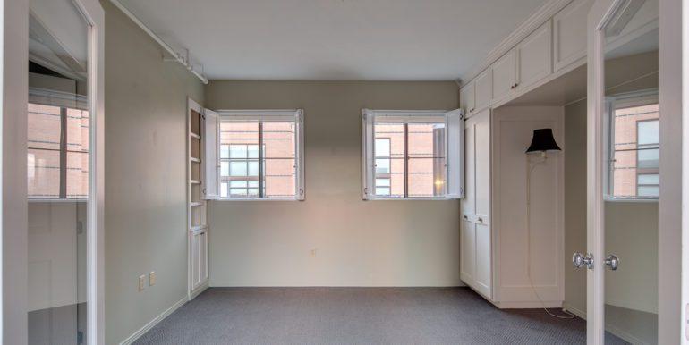 Guest bedroom 930-306