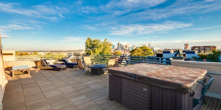 28_Rooftop Deck-1