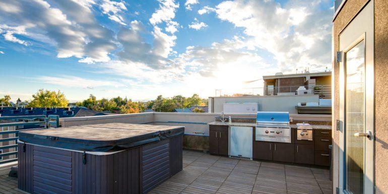 30_Rooftop Deck-3-2