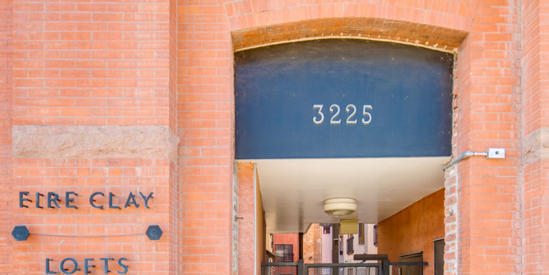 3_Exterior-Building-Entry-1