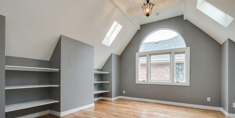 21_Upper Level-Master Suite-Bedroom-2