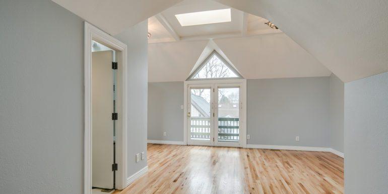 24_Upper Level-Master Suite Two-Bedroom-1