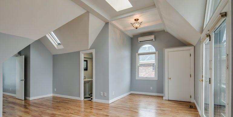 26_Upper Level-Master Suite Two-Bedroom-3