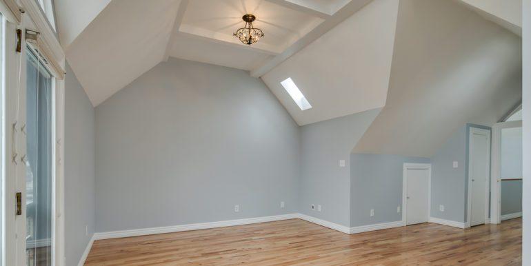 27_Upper Level-Master Suite Two-Bedroom-4