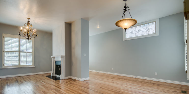 6_Living Room-1
