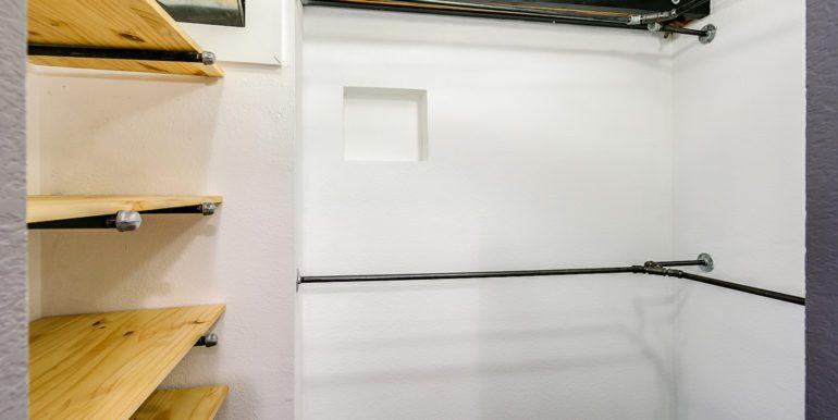 25_Upper Level-Master Suite-Walk In Closet-1