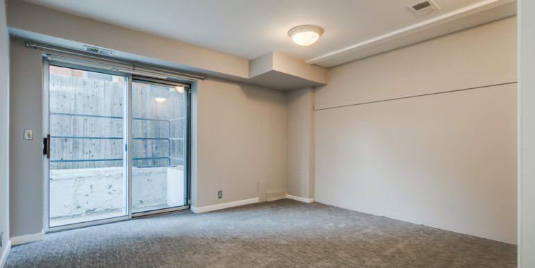 7_Master Suite-Bedroom-1-2
