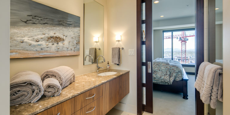 25_Master Suite Two-5