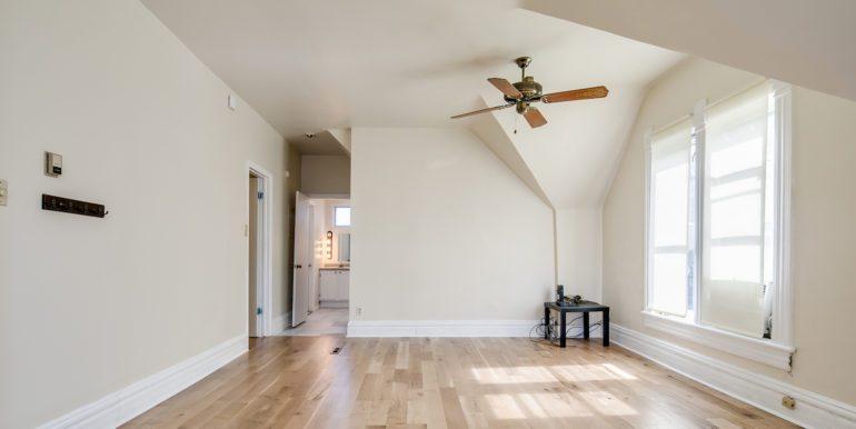 11_Living Room-2