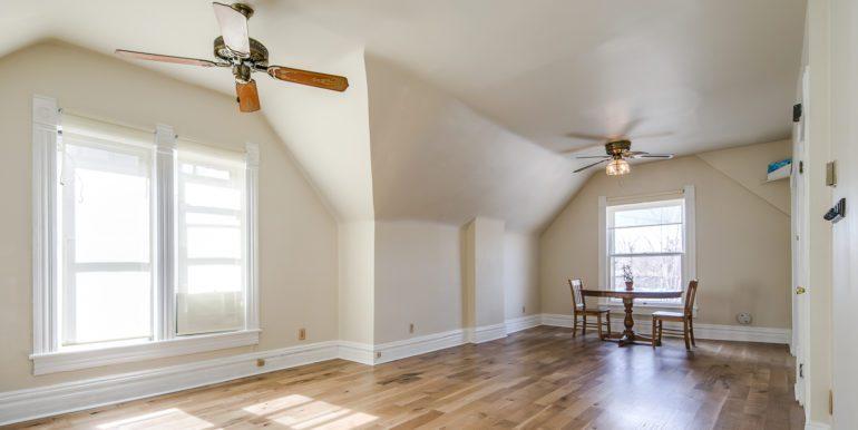 15_Living Room-6