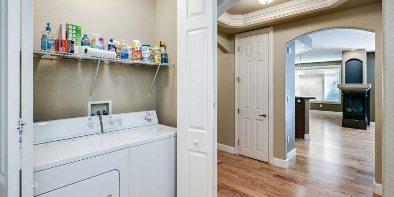 24_Laundry Room-1