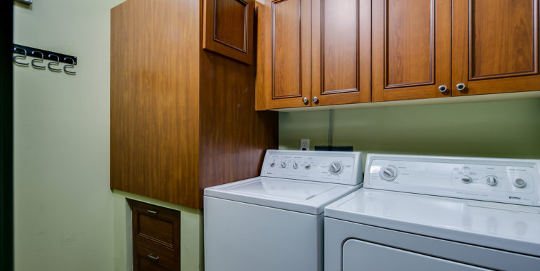 32_Laundry Room-1