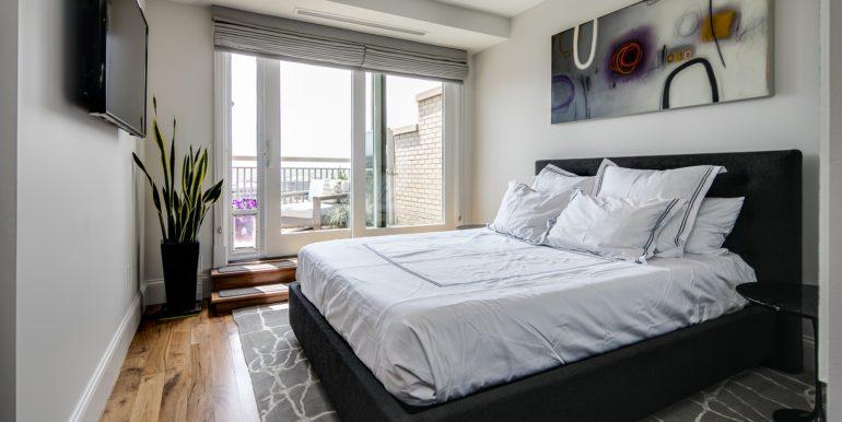 20_Master Suite-Bedroom-1