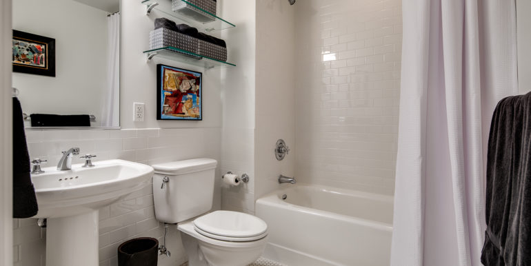28_Bathroom Two-1