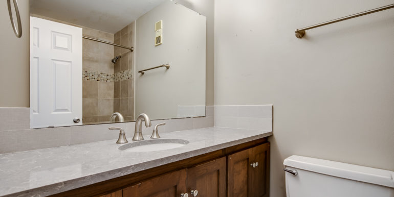 21_Bathroom Two-1