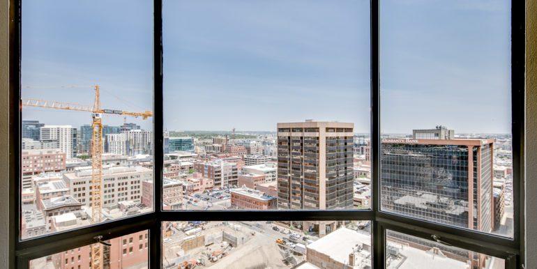 3_Living Room-Views-1