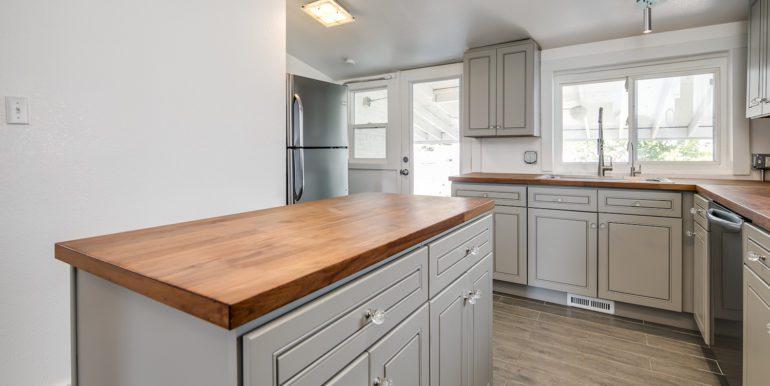 16_Kitchen-4