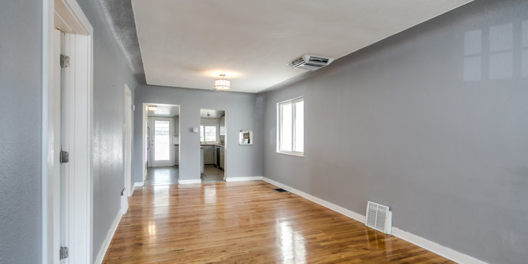 8_Living Room-4