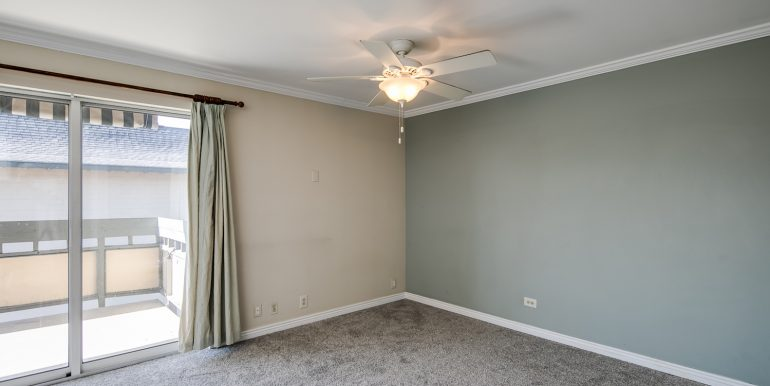 5_Family Room-3