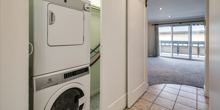 17_Laundry Room-1