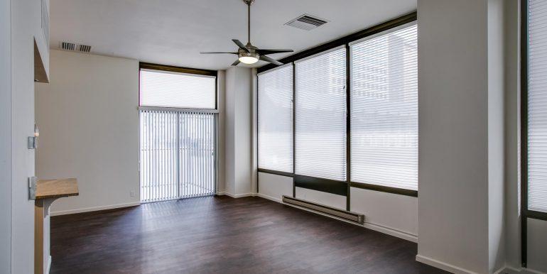 1551 Larimer St 301 Denver CO-large-007-8-Family Room6-1500x1000-72dpi