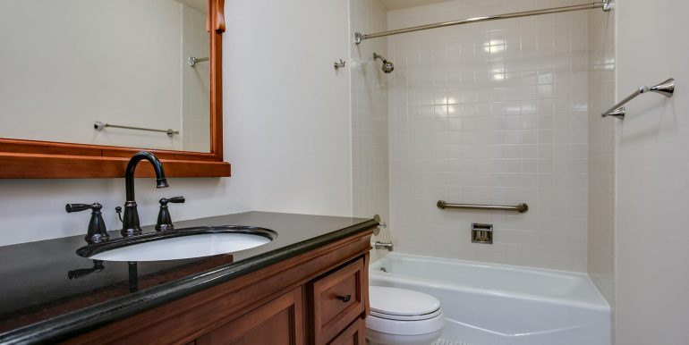 1551 Larimer St 301 Denver CO-large-023-20-Bathroom Two1-1500x1000-72dpi