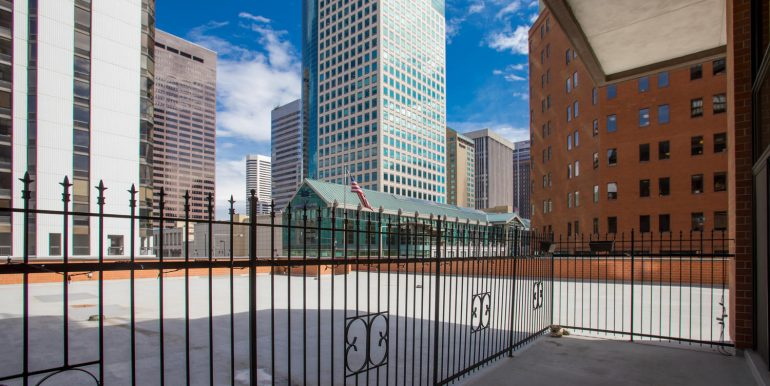 1551 Larimer St 301 Denver CO-large-025-25-ExteriorPatio1-1500x1000-72dpi