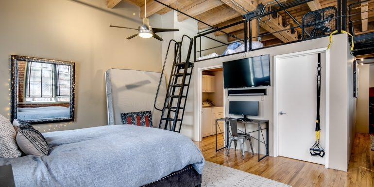 17_Master Suite-Bedroom-2