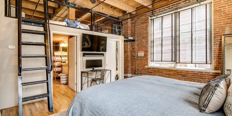 19_Master Suite-Bedroom-4