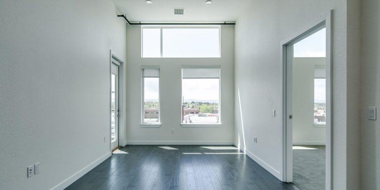 1616 S Broadway 300 Denver CO-large-004-7-Living Room2-1500x1000-72dpi