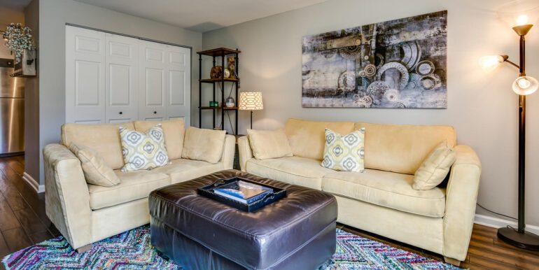 1050 N Lafayette St 406 Denver-large-005-010-Family Room3-1500x1000-72dpi