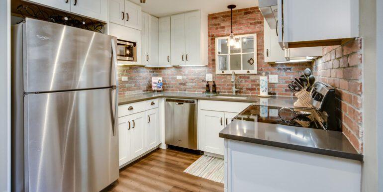 1050 N Lafayette St 406 Denver-large-009-002-Kitchen1-1500x1000-72dpi