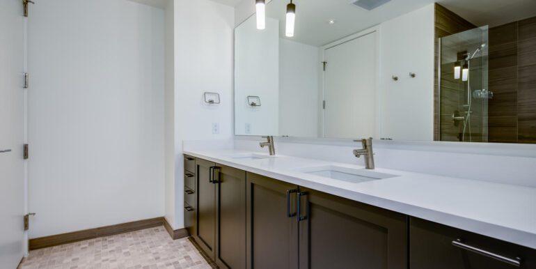1750 Wewatta St 431 Denver CO-large-017-010-Master Suite6-1500x1000-72dpi