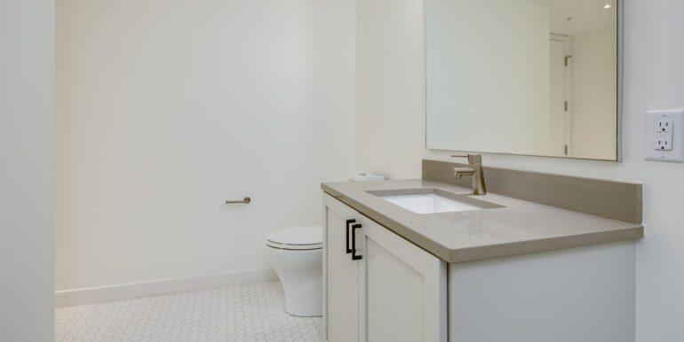 1750 Wewatta St 431 Denver CO-large-022-020-Bathroom Two1-1500x1000-72dpi