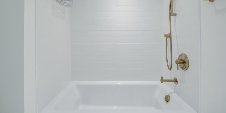 1750 Wewatta St 431 Denver CO-large-023-025-Bathroom Two2-1500x1000-72dpi
