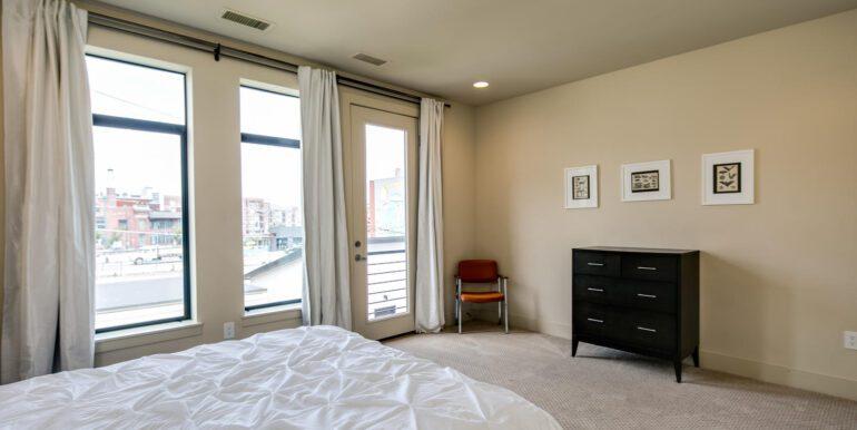 2429 Lawrence St Denver CO-large-023-012-Second LevelBedroom3-1500x1000-72dpi