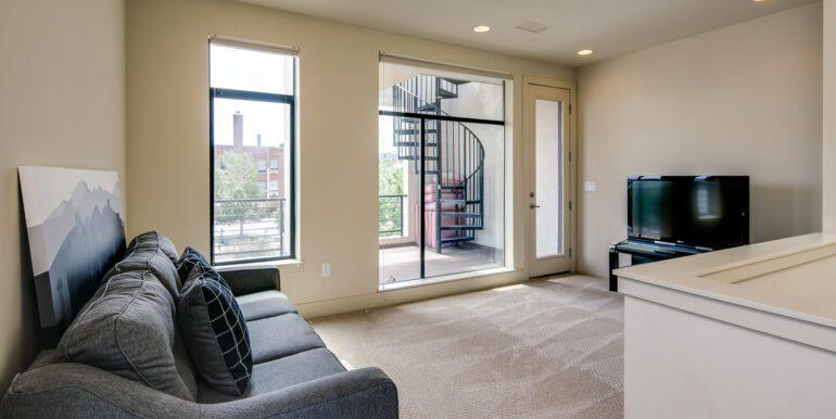 2429 Lawrence St Denver CO-large-024-021-Third LevelMaster Suite1-1500x1000-72dpi