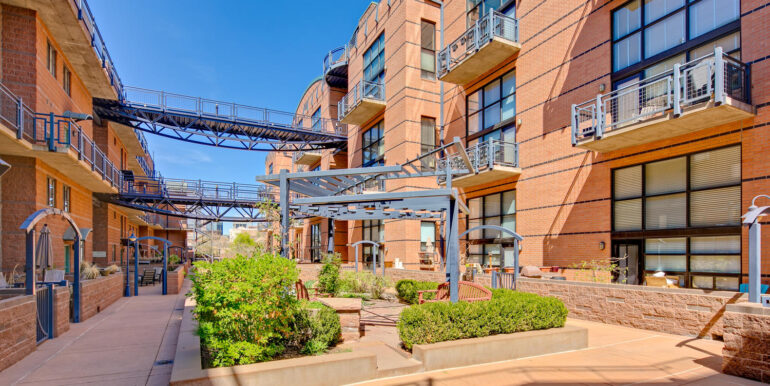 930 Acoma Street 205 Denver CO-large-029-031-Metropolitan LoftsCourtyard2-1500x1000-72dpi
